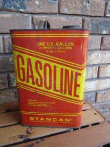 галлон бензина США